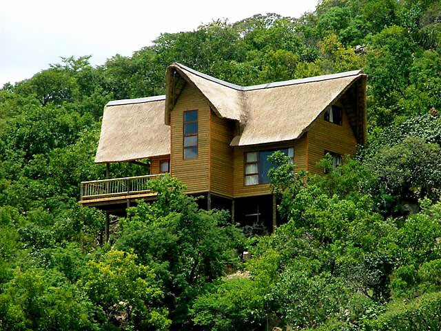 Bivane Dam Accommodation | Self Catering Chalets | Camping